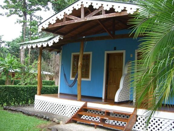 Buntes Haus in Cahuita