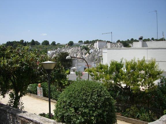 Alberobello - Blick über die Dächer der Trulli