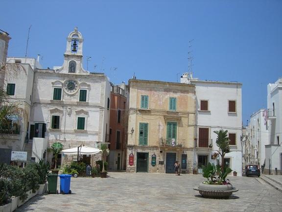 Hauptplatz in der Altstadt von Polignano a Mare