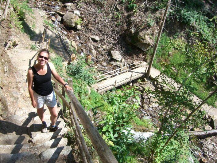 Blick über die Katzenleiter und die anschließende Brücke mit mir beim Aufstieg