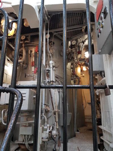 am Eingang des Maschinenraums der Gera
