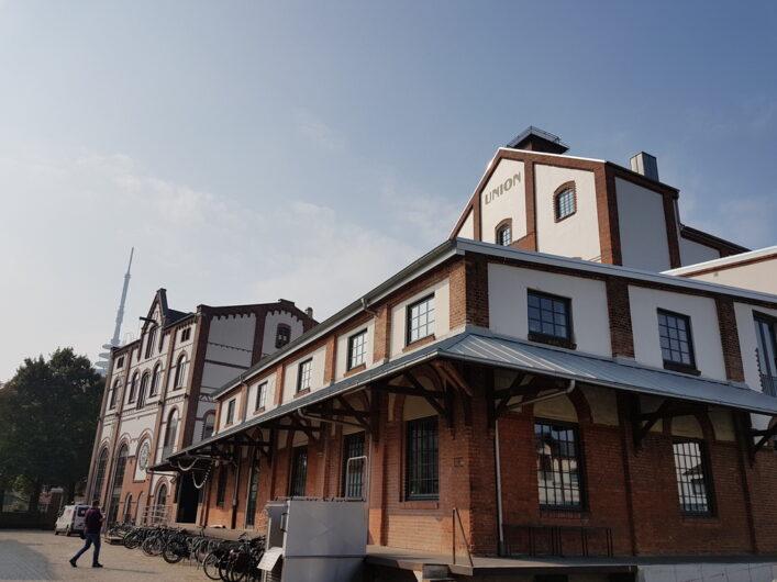 Seitenansicht des historischen Gebäudes der Union Brauerei