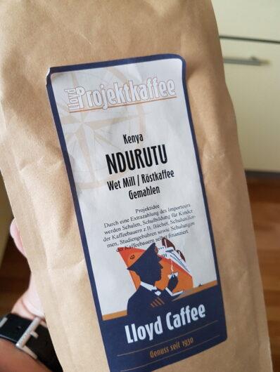 Tüte mit gemahlenem Kaffee aus Kenia