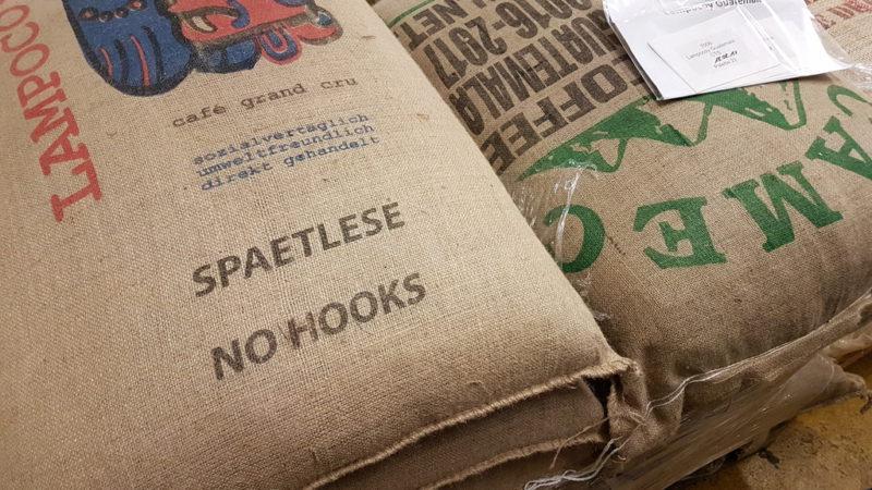 Kaffeesäcke bei Lloyd Caffee