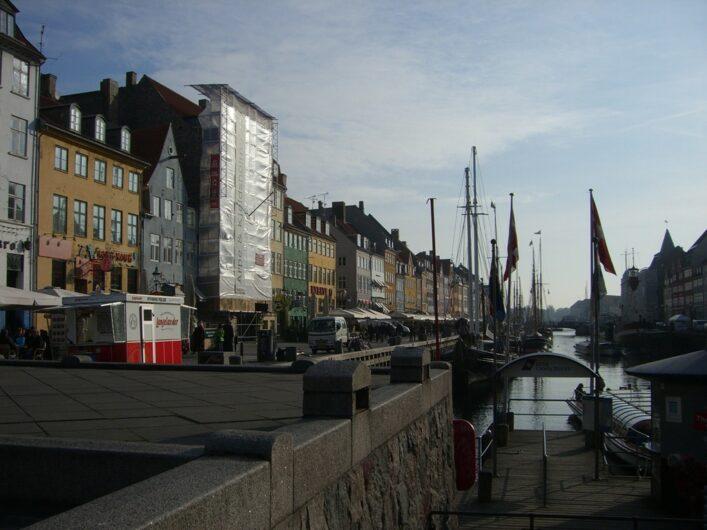 Anleger für die Schiffe zur Hafenrundfahrt in Nyhavn