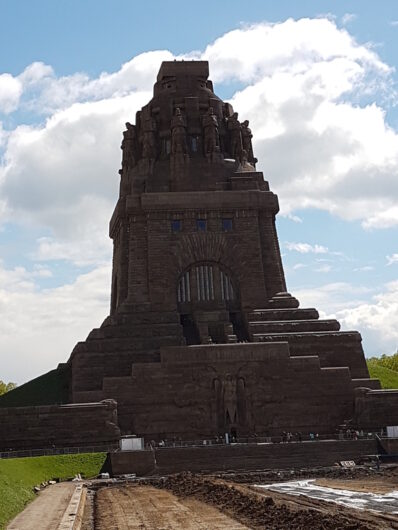 Blick auf das monumentale Völkerschlachtdenkmal in Leipzig
