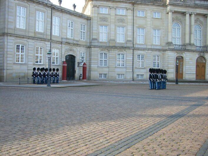 Wachablösung vor Schloß Amalienborg