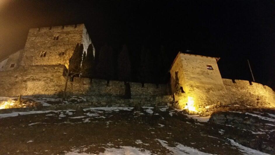 Ruine der Burg Laudegg in Ladis