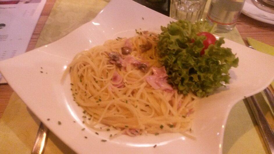 Spaghetti Carbonara in der Pizzeria Reblaus