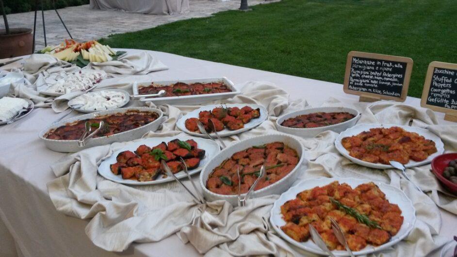 Antipasti-Buffet mit typisch apulischen Spezialitäten zum apulischen Abend
