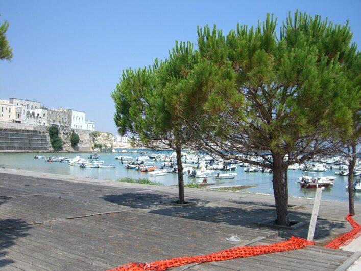 am Hafen von Otranto
