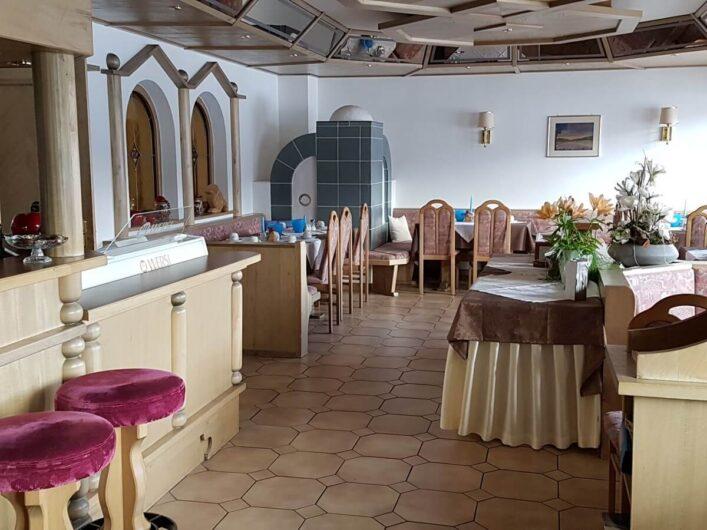Frühstücksraum im Hotel Tirol in Ladis