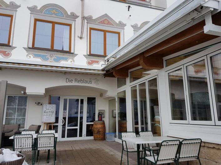 Eingang zur Pizzeria Reblaus in Ladis