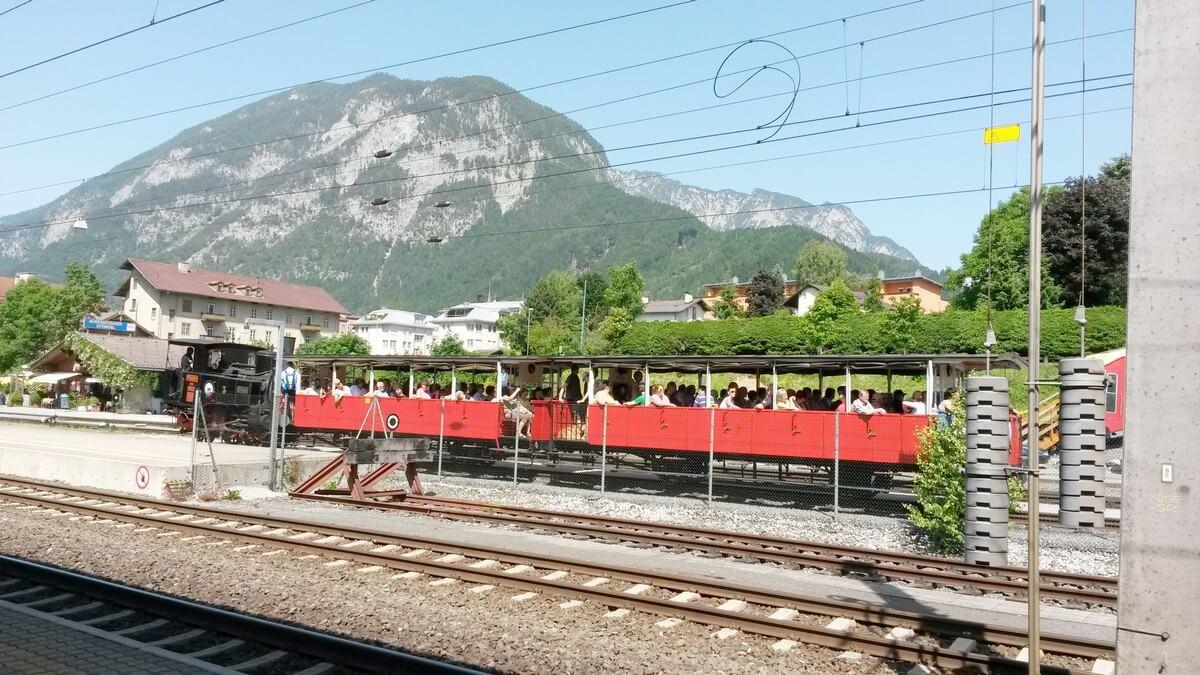 Achenseebahn im Bahnhof Jenbach