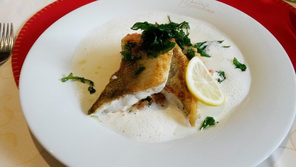 gebratener Fisch zum Dinner im Hotel Caroline am Achensee