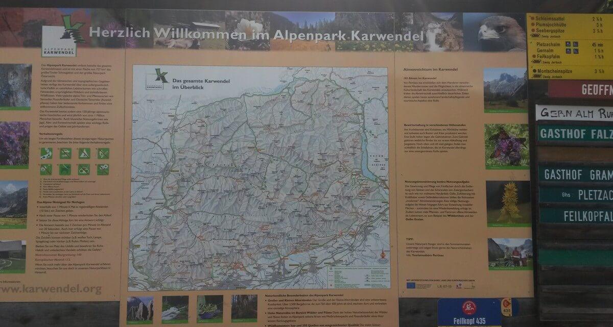 Hinweistafel am Eingang zum Alpenpark Karwendel