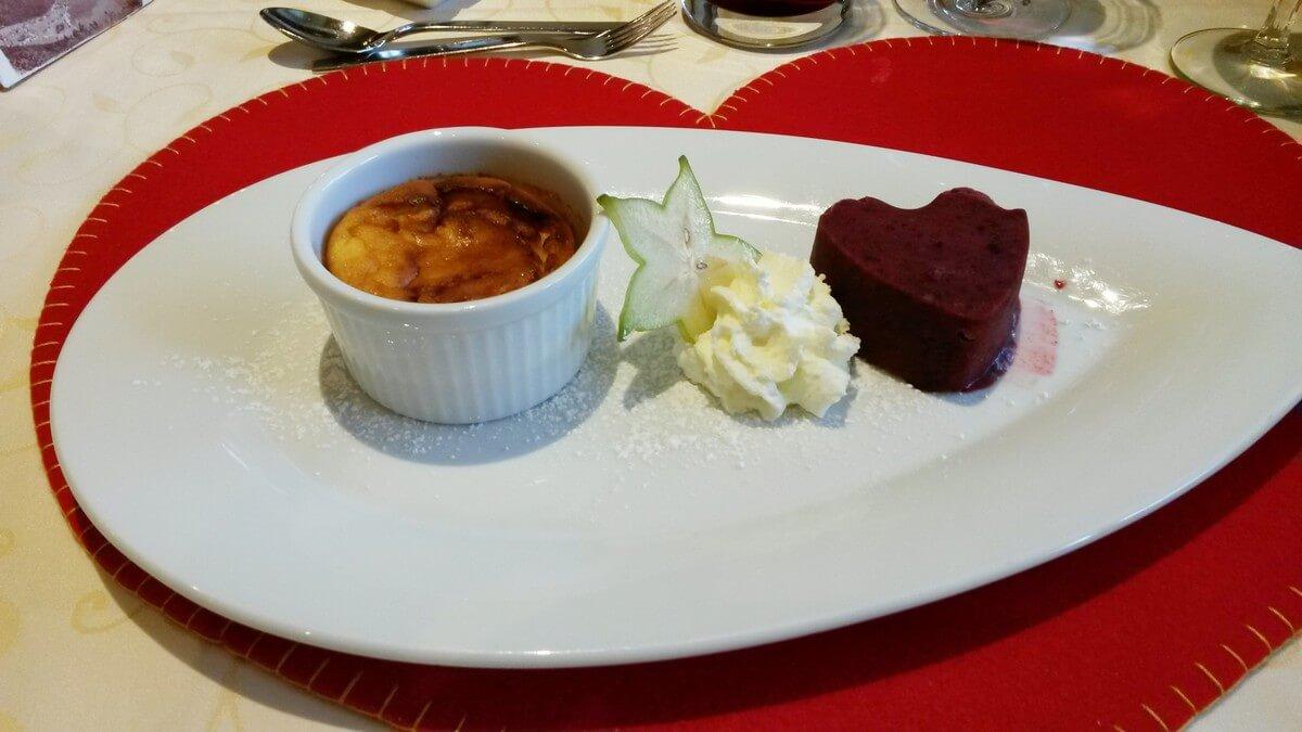 Dessert zum Dinner im Hotel Caroline in Pertisau