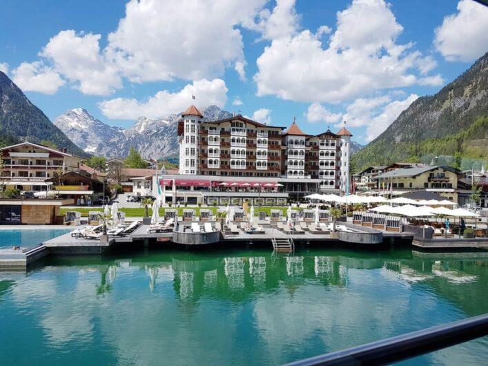 Blick Richtung Karwendel und Entners Hotel und vom Achensee aus