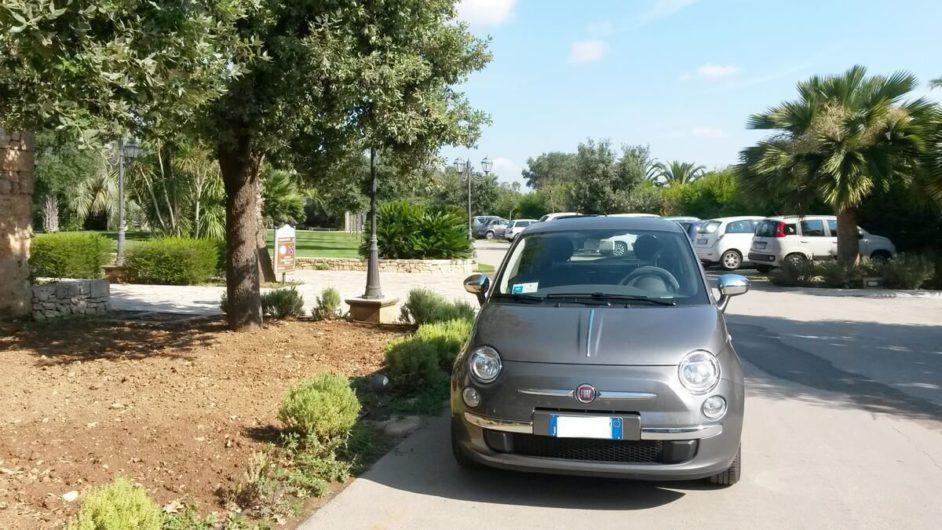 der Fiat 500 als Mietwagen für Ausflüge in Apulien