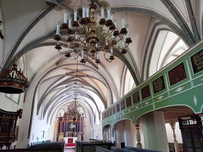 Blick auf den Altar der Klosterkirche in Cottbus