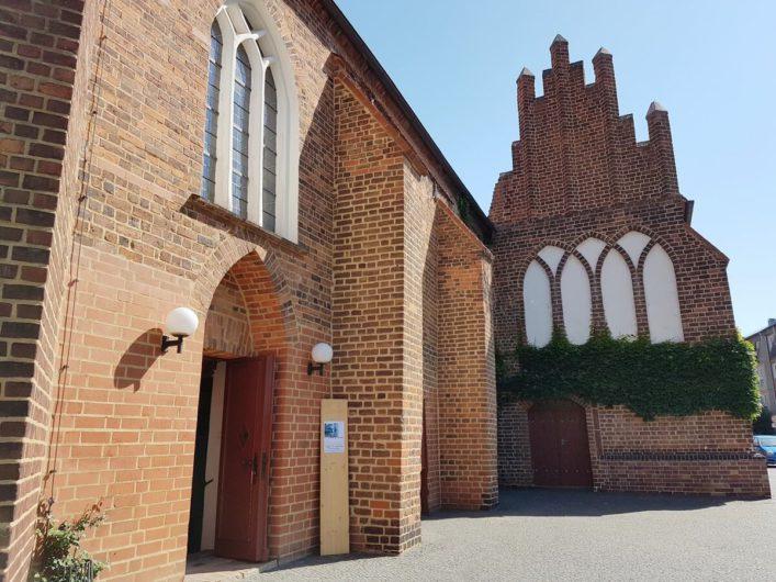 Blick auf das Äußere der Klosterkirche in Cottbus