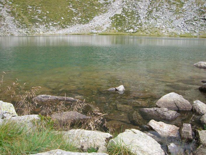 am Ufer des Kratzbergersees auf Meran 2000