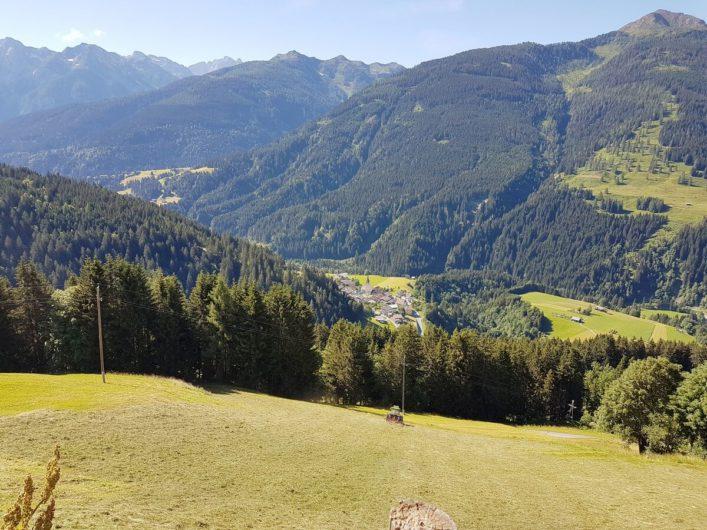Ausblick ins Lesachtal und die umliegende Bergwelt vom Jörgishof aus