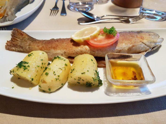 Forelle Müllerin zum Slow Food Travel Menü beim Biohotel daberer in Dellach im Gailtal