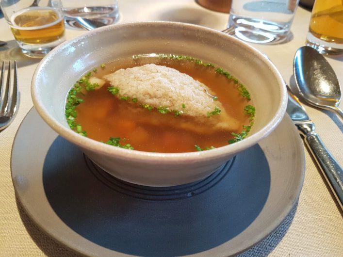 Suppe als Vorspeise im daberer.das biohotel in Dellach