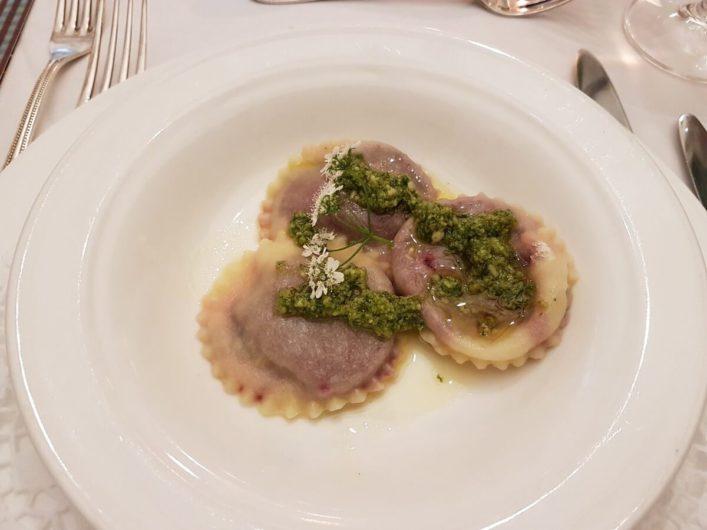 Ravioli gefüllt mit roter Melle als Vorspeise in der Genusswerkstatt von Sissy Sonnleitner in Kärnten