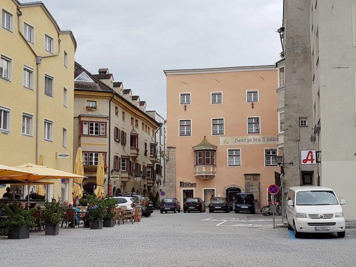 am Oberen Stadtplatz von Hall in Tirol