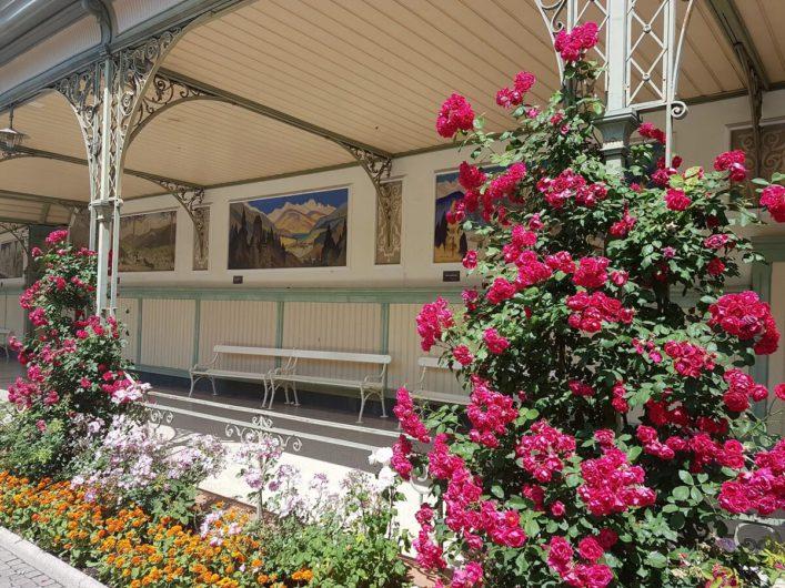 die Wandelhalle an der Promenade in Meran