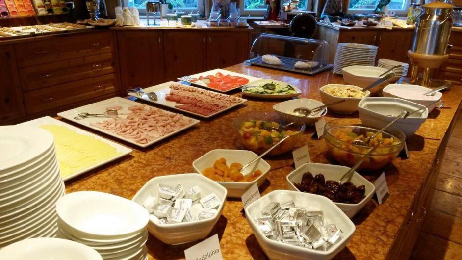 Frühstücksbuffet im Hotel Sunnwies