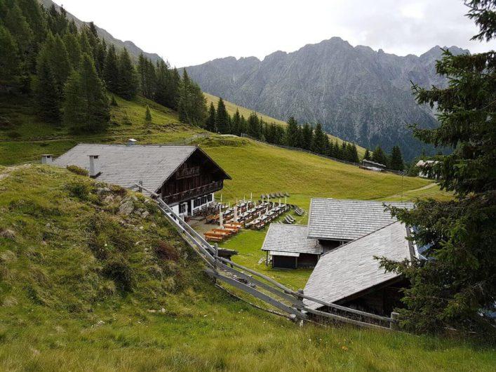Blick auf die Stafellhütte und die Stafellalm