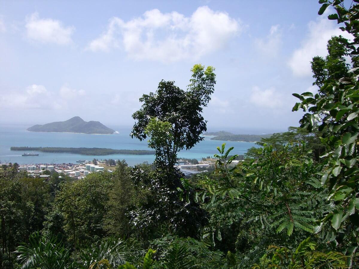 Ausblick auf die Hauptstadt der Seychellen auf der Insel Mahé