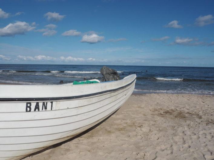 Fischerboot auf dem Strand von Bansin