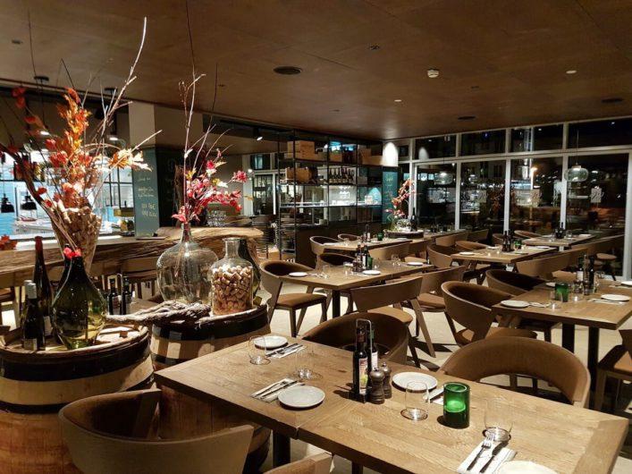 Blick ins Restaurant Weineck in Warnemünde