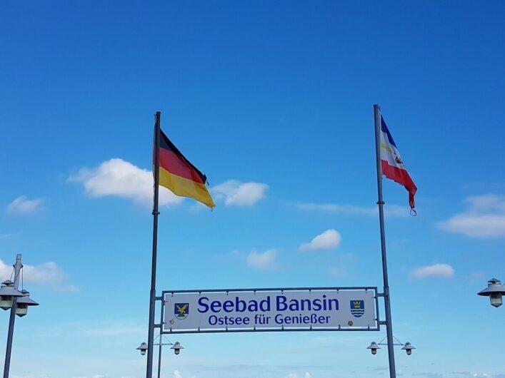 Schild auf der Seebrücke vom Seebad Bansin