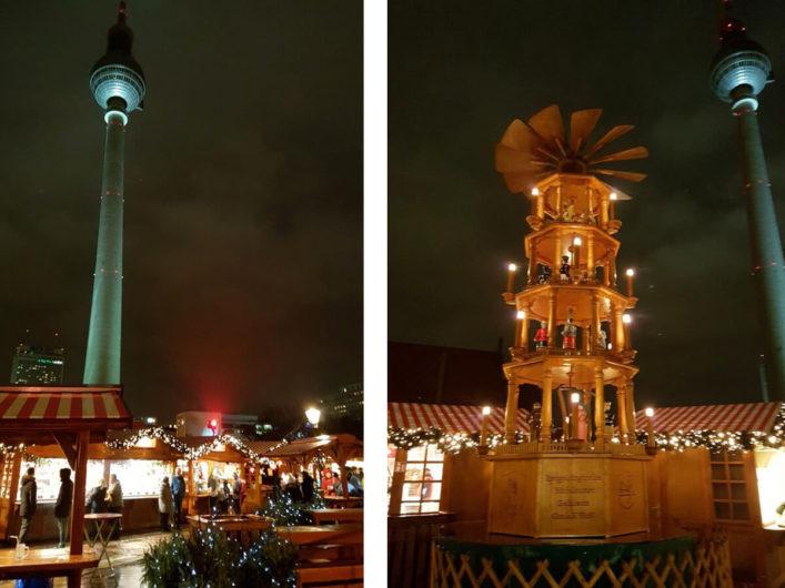 Blick auf die Buden der Berliner Weihnachtszeit am Roten Rathaus