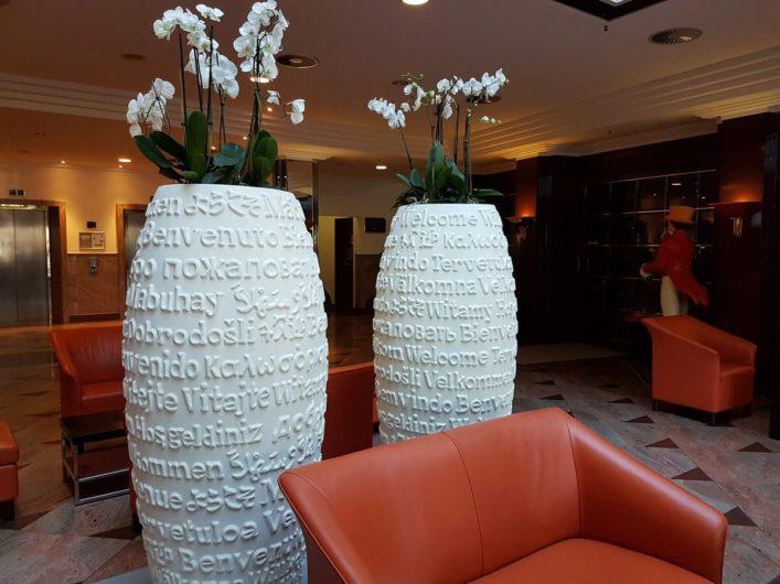 Eingangshalle des Radisson Blu Hotels Cottbus