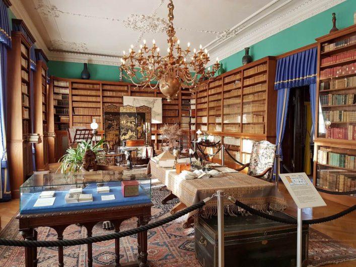 Bibliothek in Schloss Branitz Cottbus