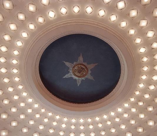 Blick auf die Decke im Staatstheater Cottbus