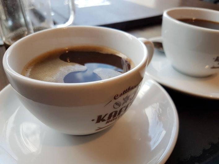 Tasse Kaffee in der Cottbuser Kaffeerösterei