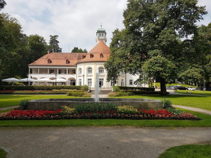 Blick auf das Kurhaus in Bad Tölz
