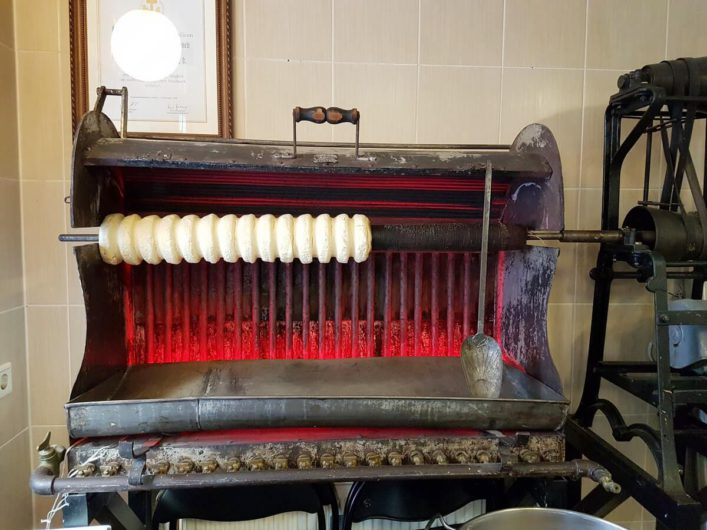historischer Ofen zur Baumkuchenherstellung