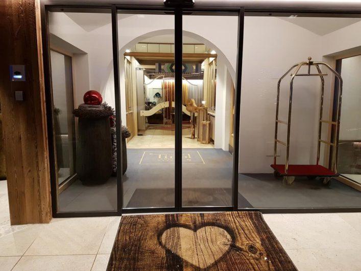 Eingangsbereich zum Hotel Tirol in Ladis