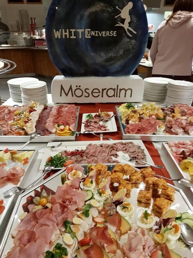 Vorspeisen auf dem Genussbuffet im Bergrestaurant Möseralm