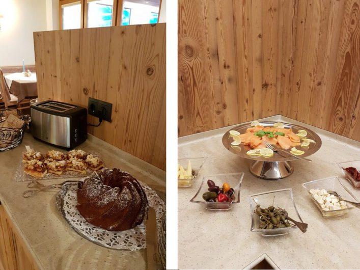 kleine Kuchenauswahl und Lachs beim Sonntagsfrühstück im Hotel Tirol in Ladis