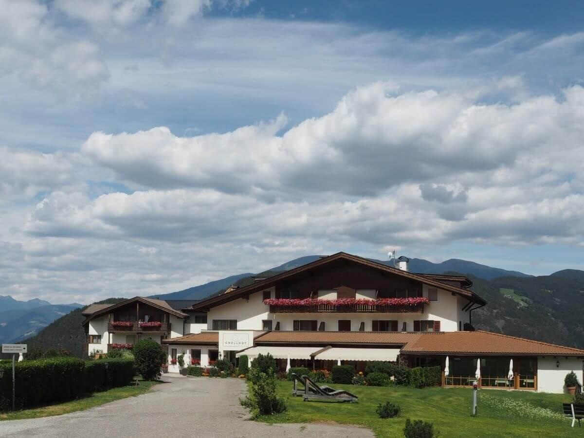 Hotel Gnollhof oberhalb von Gufidaun in Südtirol
