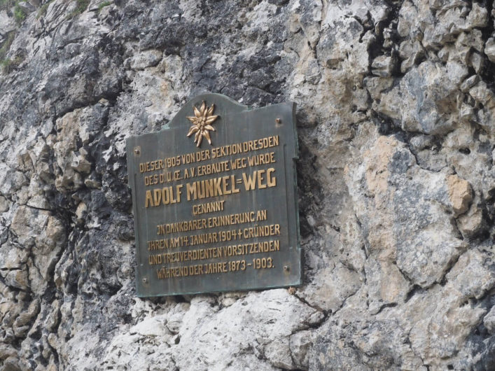 Gedenktafel am Adolf-Munkel-Weg